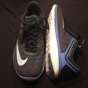 Nike sneakers size 8.5 💕💕